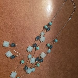 Jewelry - Teal beaded necklace with earrings